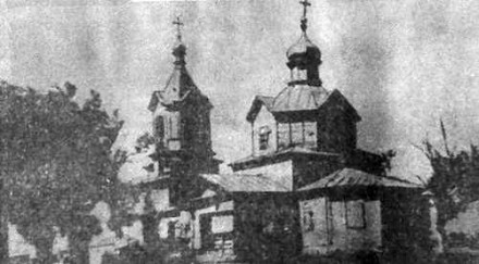 Деревянная церковь Покрова Пресвятой Богородицы постройки 1775 года в селе Свиньино Пичаевского района, здание сохранилось, но находится в полуразрушенном состоянии